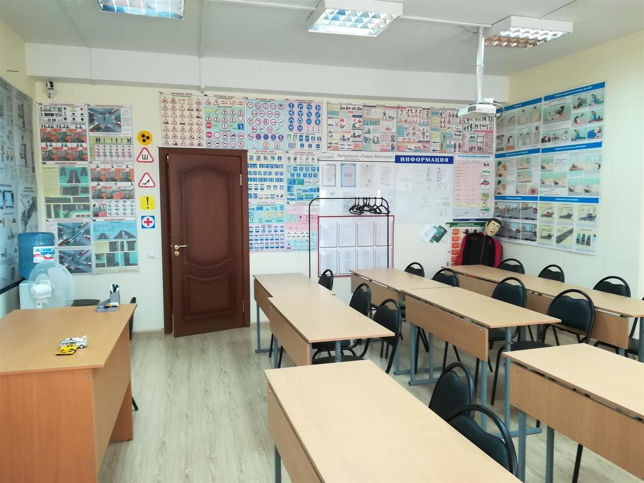 """uchebnye klassy avtoshkoly lider viktoriya foto 10 - Учебные классы автошколы """"Лидер-Виктория"""""""