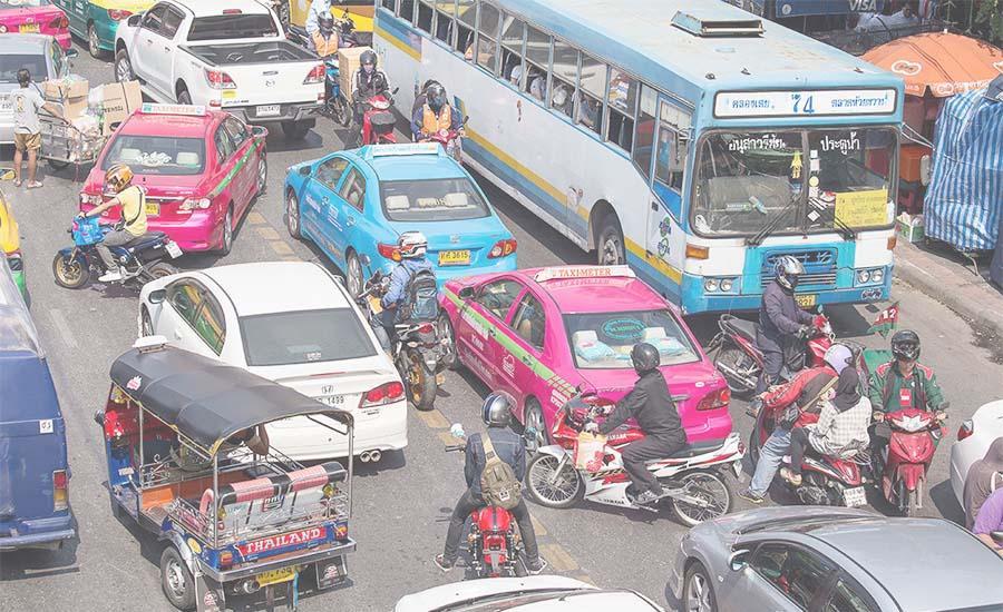 Необходимо соблюдать правила дорожного движения
